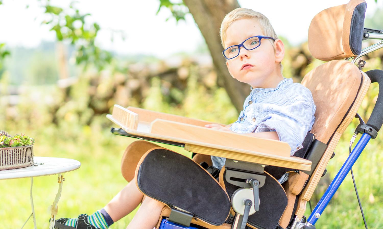 rehaKIND Hilfsmittel: Sitzen und Positionieren